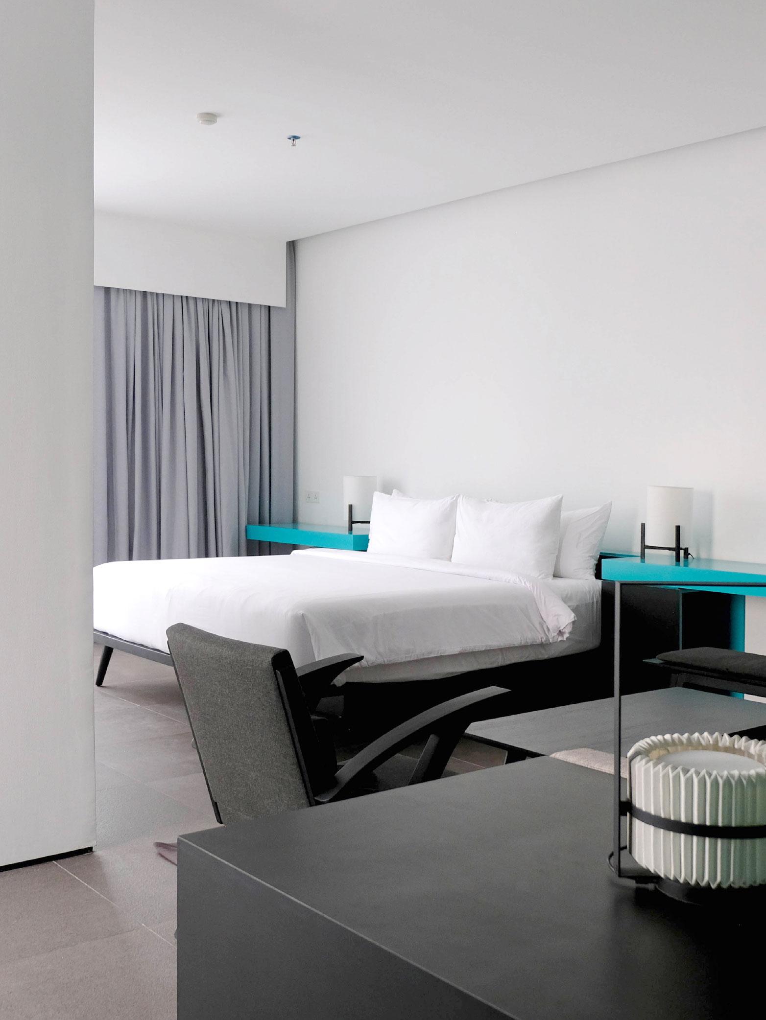 room2-03